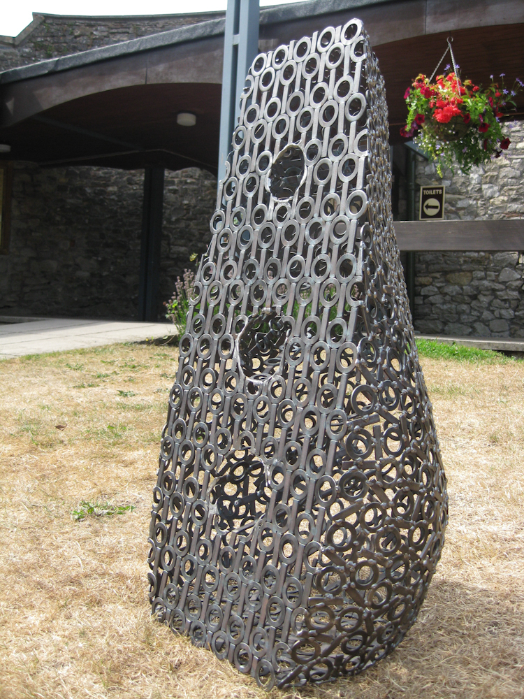 Small abstract metal garden sculpture - Pod 2009
